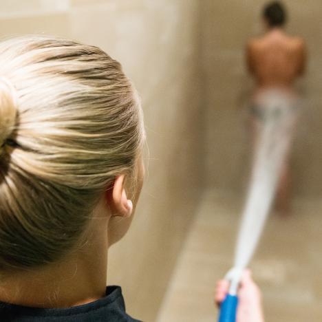 soin thermal douche au jet Brides-les-Bains