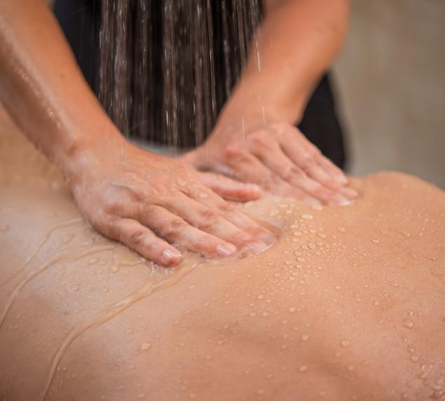 Massage sous affusion